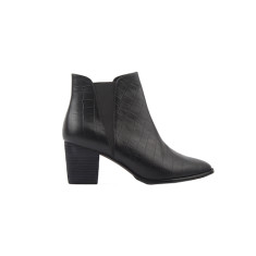 Lauren boots in black croc leather