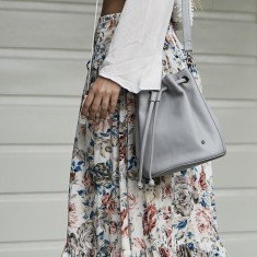 Olivia bucket bag in misty grey