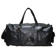 Black lachlan 23 inch travel leather bag