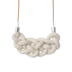Celtic knot necklace in natural cotton