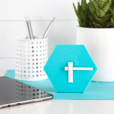 Geo desk clock in aqua blue with white hands