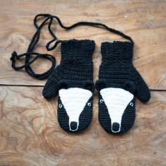 Animal character mittens