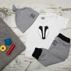 Babies monochrome badger three piece set