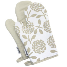 Oven mitts in hydrangea oatmeal (set of 2)