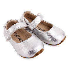 Mary-Jane shoes in silver