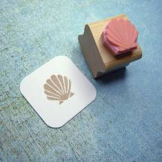 Mini clam shell rubber stamp
