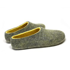 Men's Handmade Wool Slippers In Honey Moon