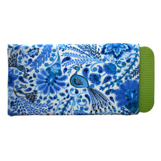 Gardener's kneeling pad in Blueberry Boho