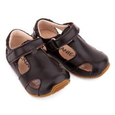 Sunday sandals in brown