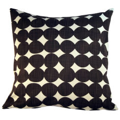 Pebble brown cushion