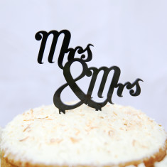 Mrs and Mrs traditional wedding cake topper