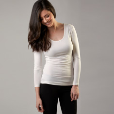 Bamboo long sleeve scoop top in white