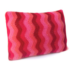 Ripple pillow slip in berry