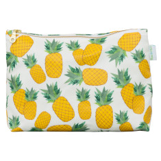 Piña toiletry bag