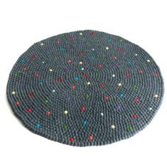 Pixel felt ball rug