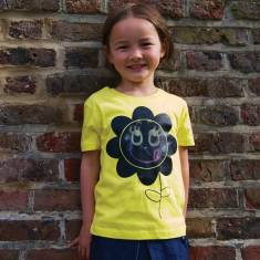 Kids' chalkboard t-shirt in yellow flower design