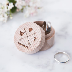 Personalised wooden arrows ring box