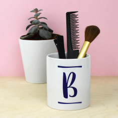 Brush Stroke Initial Make Up Brush Holder