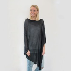 Bamboo poncho in black