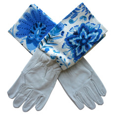 Protective Cuff gardening gloves in Blueberry Boho
