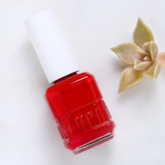 Nail polish in Chinese Red