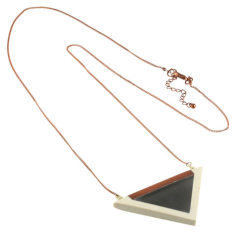 The edge necklace (2 colours available)
