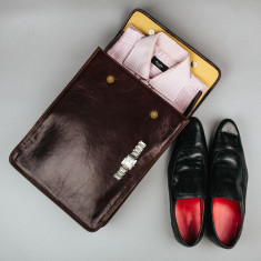 The Sepino Fine Leather Shirt Case