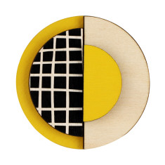 Yellow circle brooch with lines
