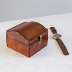 Personalised leather curved watch box (single)