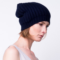 Chunky knit slouchy beanie in navy