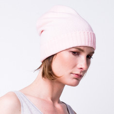Classic cashmere blend beanie in shrimp