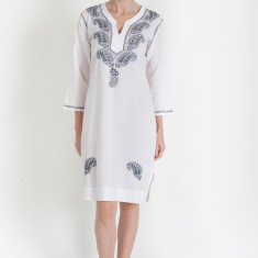 Long tunic in charcoal on white