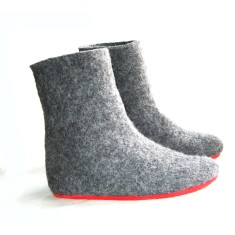 Handmade women's wool boots in grey contrast