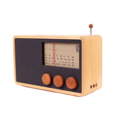 ReKTO wooden radio and speaker