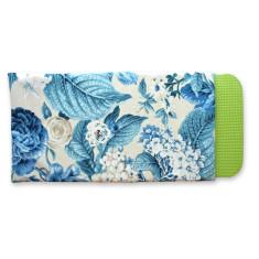 Gardener's kneeling pad in blue blooms