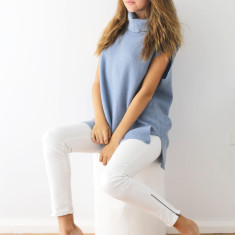 Cashmere turtle neck rib top powder blue