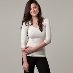 Bamboo 3/4 sleeve scoop top in white
