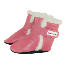 Baby boots in rose pink