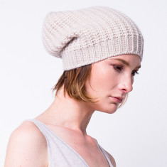 Chunky knit slouchy beanie in beige