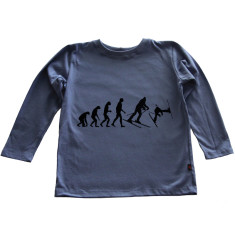 Skiing long sleeve t-shirt