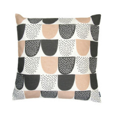 Sokeri square cushion cover in pink