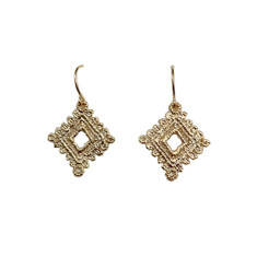 Square doily earrings (gold)