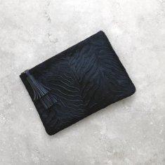 Masai Mara Clutch In Textured Zebra Black