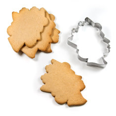 Suck UK queen cookie cutter