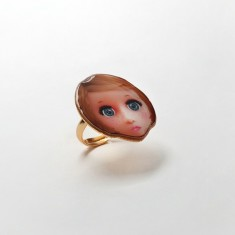 Blond doll ring