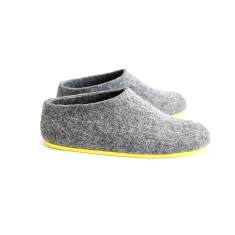 Women's Handmade Wool Slippers in Nordic