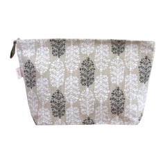 Toiletries bag in Indian summer white & black