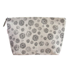 Toiletries bag in wildflower black