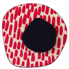 Retro brooch with pink and black