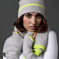 Cashmere grey beanie with yellow neon